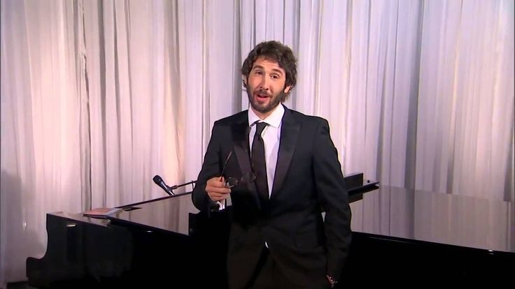 Josh Groban Sings Donald Trump best tweets
