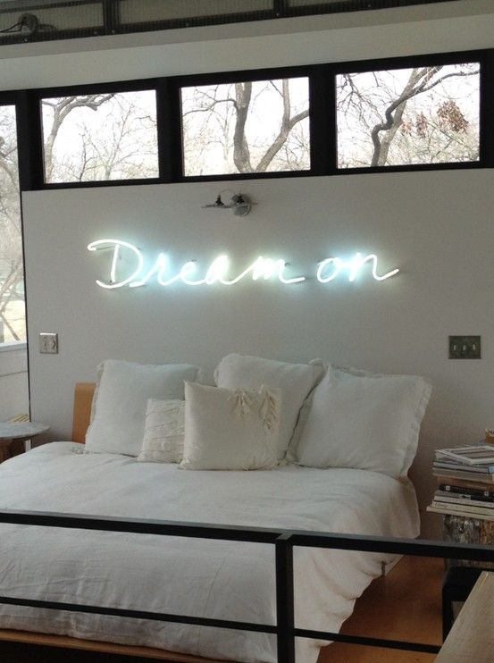 Dream on neon sign bedroom bedroom pinterest for Room decor signs
