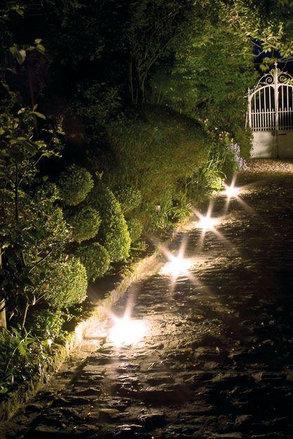 Comment installer ses luminaires en extérieur ?