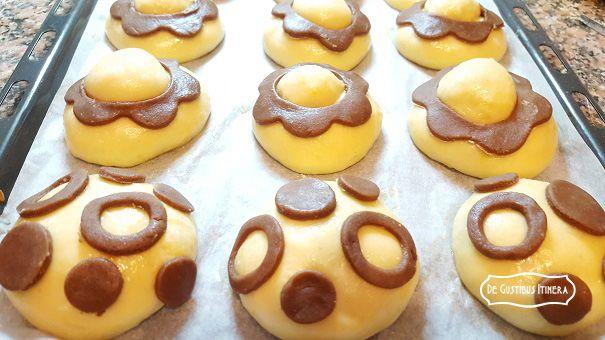 http://www.degustibusitinera.it/ricettario/lievitati-dolci/163-brioches-col-tuppo-al-gusto-di-cannolo-siciliano.html