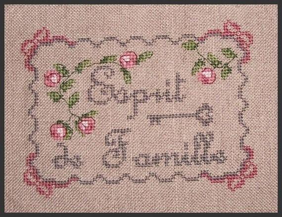 """Grille point de croix """"Esprit de Famille"""""""