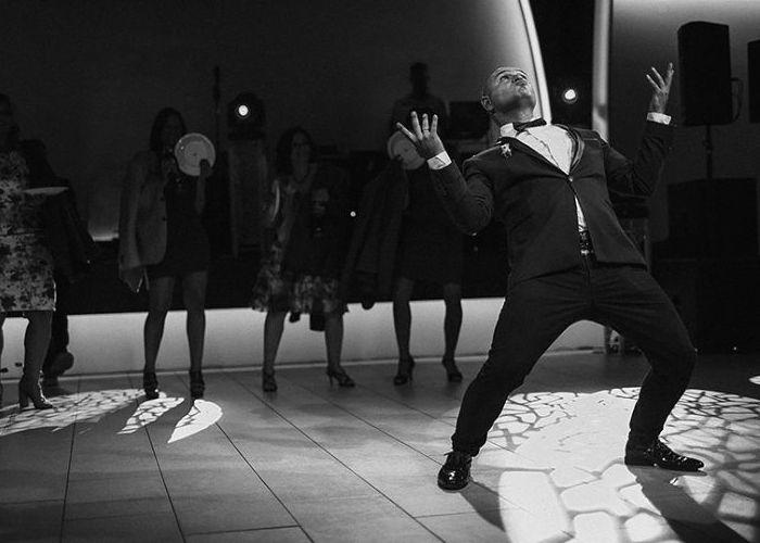 Modern, witzig, mit Niveau die Hochzeit moderieren. MEG Music Entertainment Group Musik und Unterhaltung für russisch-deutsche Hochzeit deutschlandweit. Sänger, DJs, Moderatoren, Instrumental, Projekte, PA Vermietung Sankt Augustin / NRW