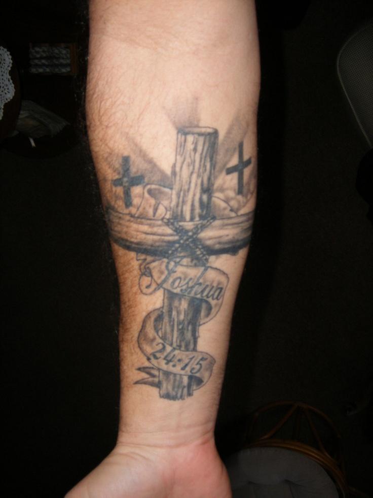 ein großes Unterarm Tattoo mit Haus Abblildung, linear