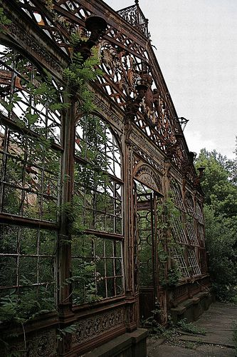 Giardino d'inverno - abandoned greenhouse in Italy. The house is nothing but rubble now.
