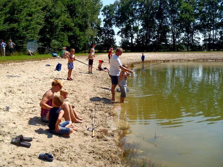 Juli/Augustus: diverse visclinics o.a. karpervissen door vismeesters van Hengelsportfederatie Groningen Drenthe