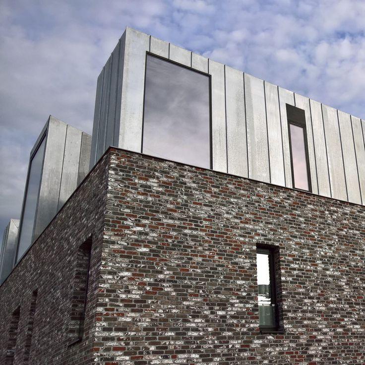 HAMMERED BRICKS by NELISSEN BRICKS  http://www.archello.com/en/product/hammered-bricks  Photo: Courtesy of NELISSEN BRICKS