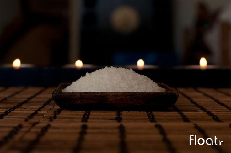 No Float in spa proporcione ao seu corpo uma esfoliação com sal vindo das montanhas dos Himalaias