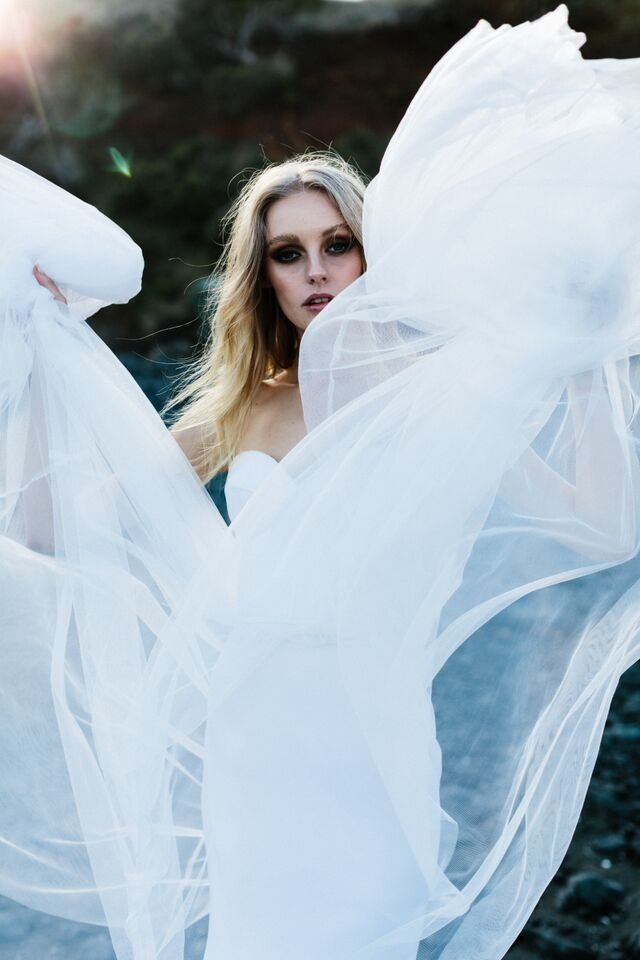 Laurel  | ONE DAY BRIDAL |   Love's Keeper | Spring15 | Photography: Erin &…