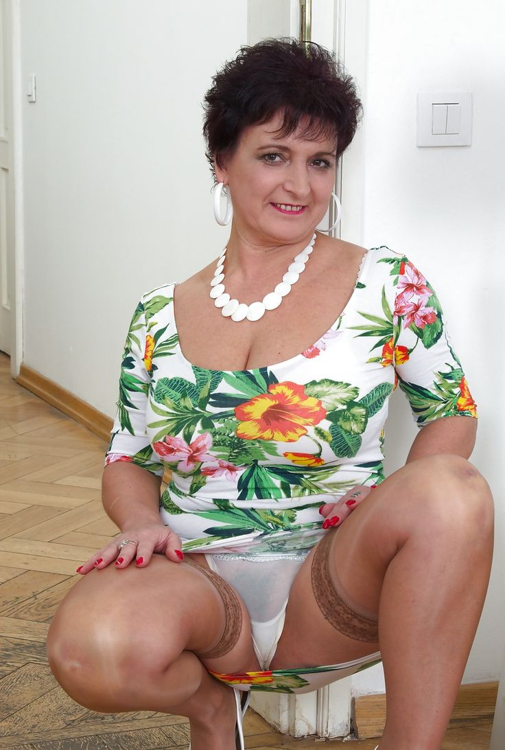 Yes very mature lady upskirt