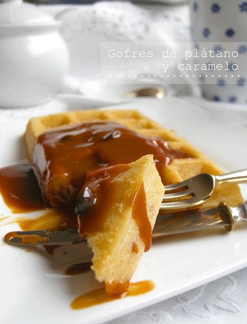 Gofres de plátano y caramelo | Banana & caramel waffles | By Recetas de tía Alia