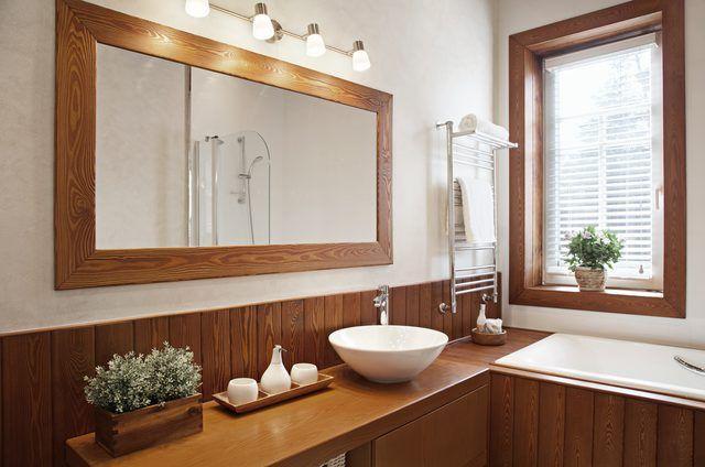 Mirror Decor Modern Master Bathroom, How High To Hang A Bathroom Light Over The Mirror
