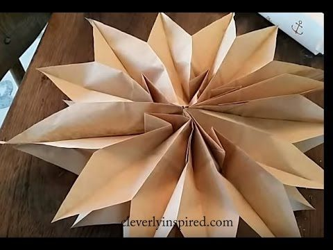 Easy paper star with paper bags and glue