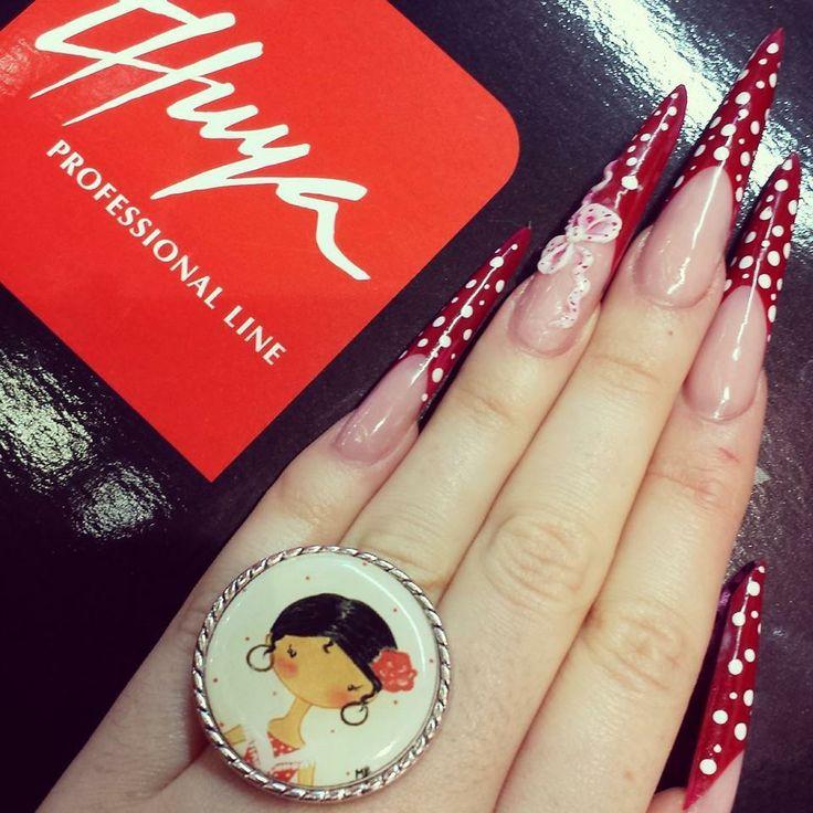 Fántastica decoración de uñas de nuestra asesora @ampi_ams