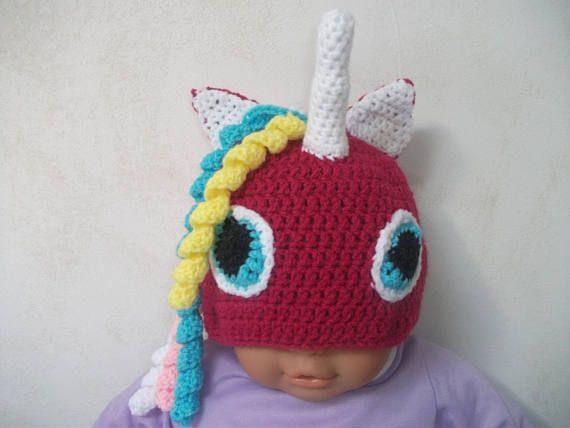 Bonnet licorne poney fait au crochet en laine coloris