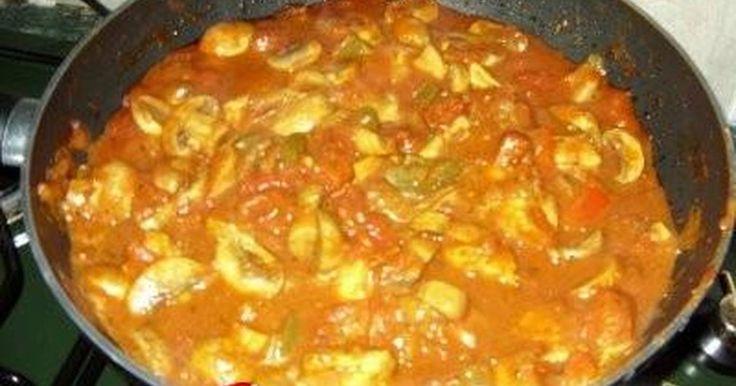 Κοτόπουλο με γιαούρτι, κάρυ και πιπεριές