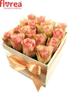 Krabička růží bílá ABDUALLA 16x16x13cm