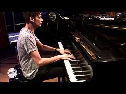 "▶ Jon Hopkins performing ""Abandon Window/Nightfall/Autumn Hill"" Live on KCRW - YouTube"