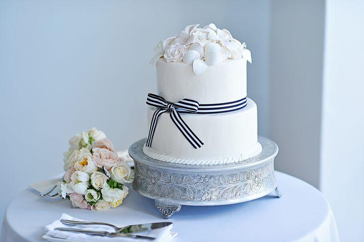 Ritz Carlton Wedding Wedding Cake Blue Glass
