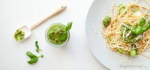 Pasta med hjemmelaget pesto og squash