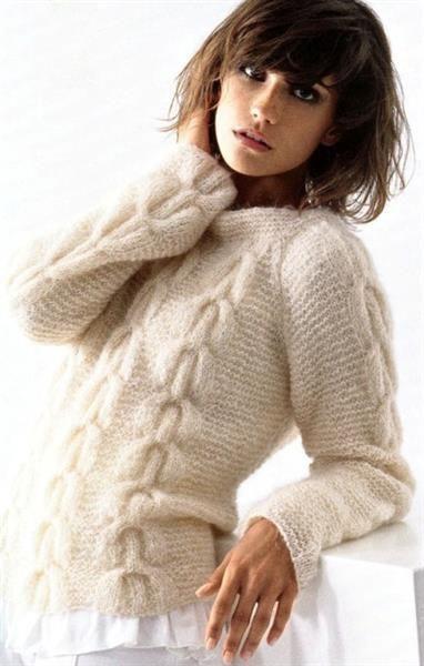 Модели вязаные спицами женских зимних свитеров из кашемира