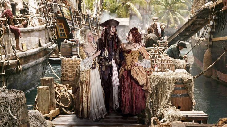 Captain Jack Sparrow with Scarlett & Giselle. Moniek, Jacob and Astrid (Scarlett & Giselle NL)