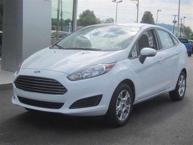 New 2014 Ford Fiesta SE Sedan (White Car) | Charleston