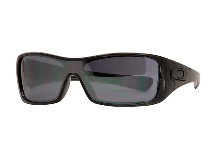 The Oakley Antix shield wraparound sunglasses are a unique pair of sporty designer sunglasses featuring a black-iridium lens set in a black tortoise patterned frame.  These sunglasses feature the usual smooth sleek curves for which Oakley is renowned and will make a great complement to your sporty wardrobe.    http://www.topfashionshades.com/oakley-antix.html  #Oakley ANTIX: Sunglasses Inspiration, Sunglasses Features, Sunglasses Style, Design Sunglasses, Awesome Sunglasses, Wraparound Sunglasses