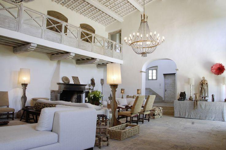 LUXURY PARTY VILLAS Dordogne chateaux, french villa, italian farmhouse