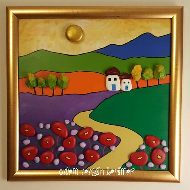 33x33 cm. #tasboyamasanati #tastasarim #tasboyama #stonepainting #stoneart #manzara #landscape #köy #village #doga #huzur #cicekler #duvarsusu #evdekorasyonu #homedecor #hediye #kisiyeozelhediye #gift #elemegi #sanat #devrek #satilik