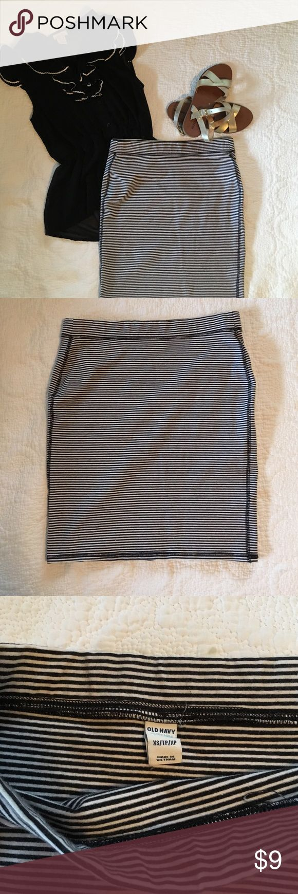 Black & white striped pencil skirt Knee length old navy pencil skirt. Can be dressed up or down Old Navy Skirts Pencil