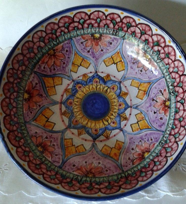 Ciotola/ Insalatiera / Spaghettiera in ceramica.Dipinta a mano.Decoro Geo/Floris.27cm, by ilciliegio, 20,00 € su misshobby.com