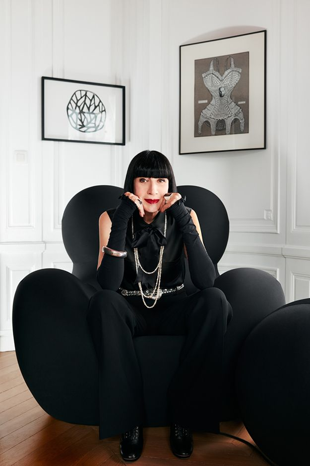 «Чтобы показать новое белье, русская девушка просто фотографируется в нем!» – интервью с дизайнером Шанталь Томасс (фото 3)
