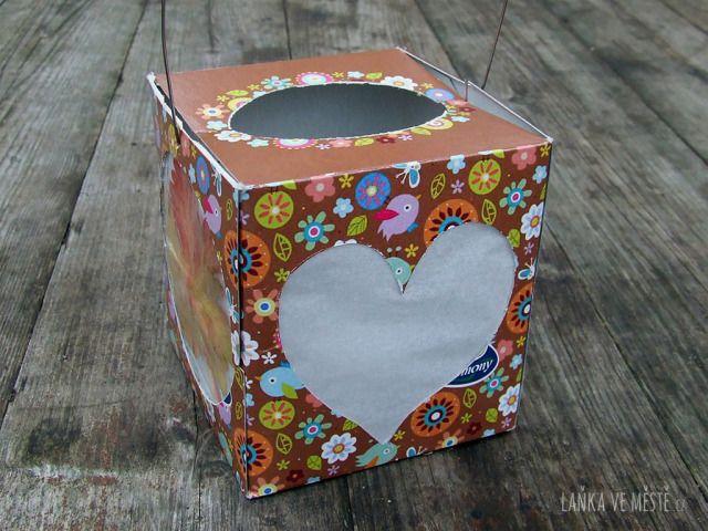 Lampion z krabice na ubrousky