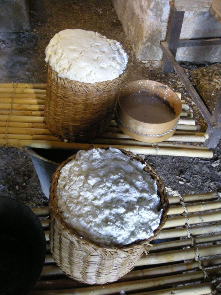 #Ricotta #cheese preparation in #Sicily #countryside www.bebtrapanigranveliero.it