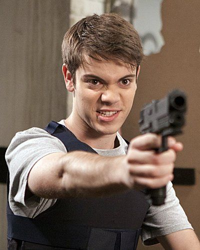 """Still of Alexander Gould in Weeds: """"Red in Tooth and Claw"""" (2012)"""