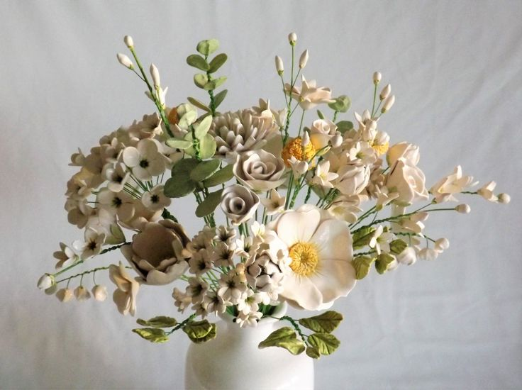 exhibition piece ceramic flower bouquet