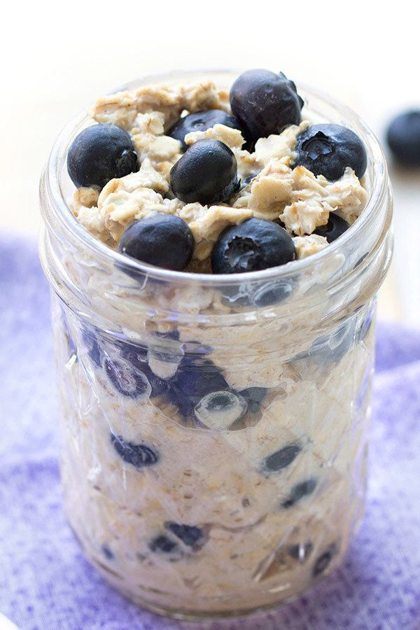 Quick breakfast idea! We like blueberry muffins a lot, but healthy overnight oats packed with the berry-muffin flavor are even better! Overnight oats save SO much time in the morning! Entire recipe: 238 calories | 4.5g fat | 5 Weight Watchers SmartPoints | PIN!