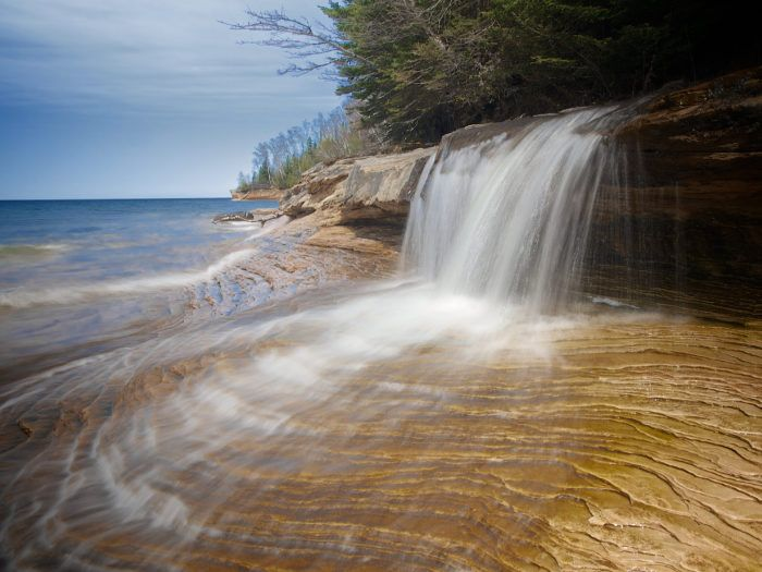 8 Unbelievable Michigan Waterfalls Hiding In Plain Sight… No Hiking Required These gorgeous waterfalls are easy to find and easy to love.