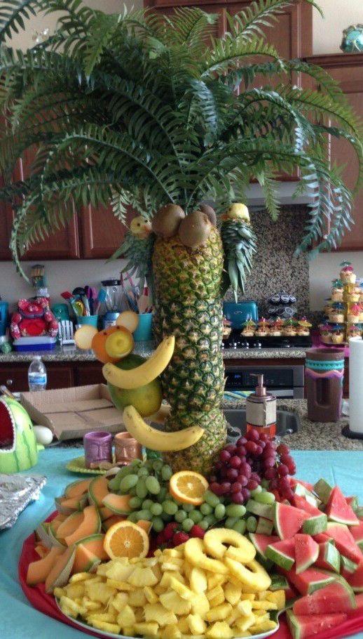 pineapple palm tree centerpiece fruit monkey pineapple parrot 2 - Best 25+ Pineapple Palm Tree Ideas On Pinterest Tropical Serving