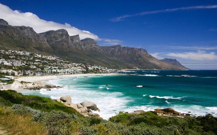 Saiba mais em: http://globolivros.globo.com/livros/lonely-planet-sul-da-africa  Camps Bay, South Africa