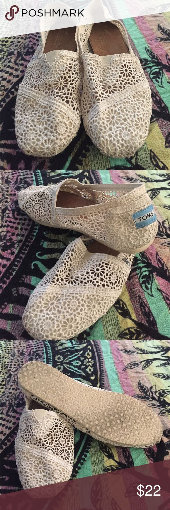 Women's Cream Lace Toms Cream women's toms only worn once for a wedding. Size 9.5 Toms Shoes Flats & Loafers