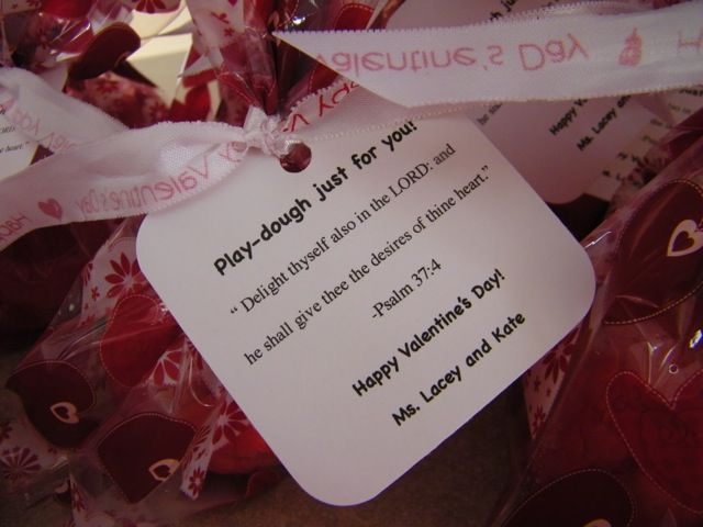large valentine's day decorations