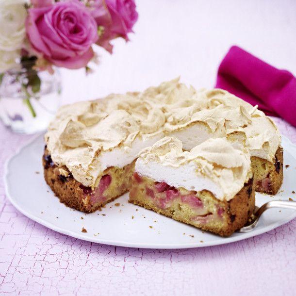 Unser beliebtes Rezept für Rhabarberkuchen mit Baiserhaube und mehr als 55.000 weitere kostenlose Rezepte auf LECKER.de.
