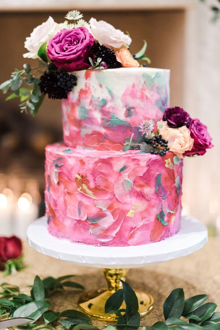 Featured Photographer: Dana Fernandez Photography; Wedding cake idea.