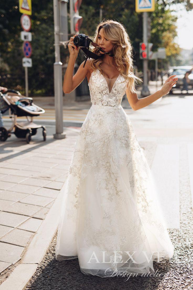 Brautkleid 'GOLDIE' / / erstaunliche a-Linie Spitze Brautkleid mit tiefem Ausschnitt und original-Back-Design