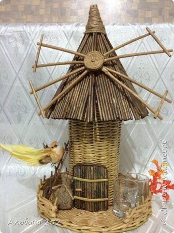 Поделка изделие Плетение Мельница из газетных трубочек Бумага газетная фото 1