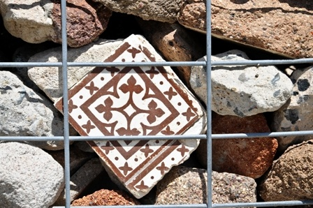 Ballast Point Park - Walama : gabion wall objects photographed by Catherine Long