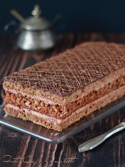 Biszkopt czekoladowy z orzechami @cafeamaretto
