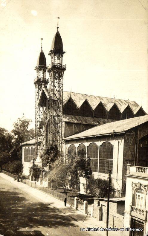 Museo de Historia natural 1925, ahora Museo del Chopo, el cual forma parte de la UNAM.