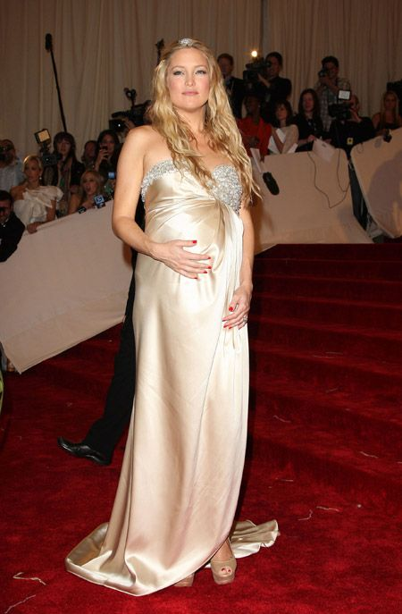 Kim Kardashian Posts Nude Post-Baby Selfie | Fit Pregnancy ...